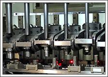 自動車製造関係プレス機械のジャーナルメタル