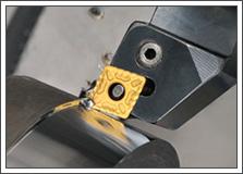 ディーゼルエンジン部品のターニング加工用スローアウェーチップの写真